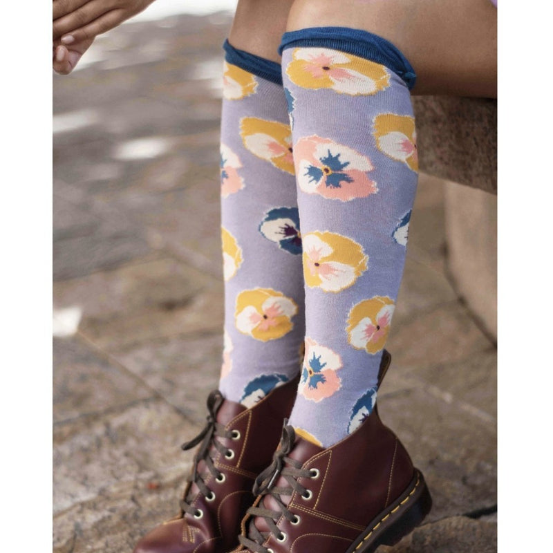 "Powder ""Pansy"" Long Socks - Lavender"