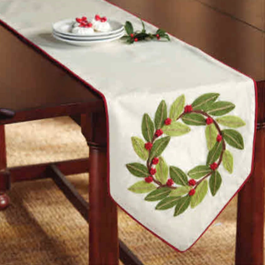 Holiday Holly Wreath Table Runner, MP-Mud Pie, Putti Fine Furnishings