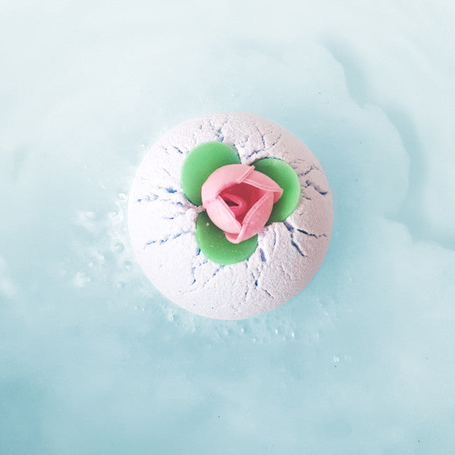 "Bomb Cosmetics UK ""Porcelain Peony"" Bath Blaster"
