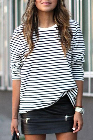 White-Black Striped Round Neck Long Sleeve Fashion T-Shirt