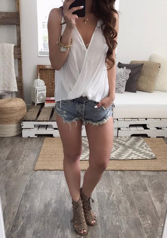 White Irregular Pleated Deep V-neck Sleeveless Casual T-Shirt