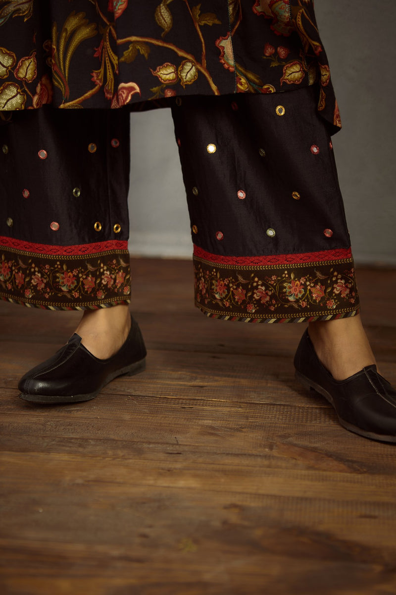Nisha Sheesha Waraq Tara Kurta and Pant Set