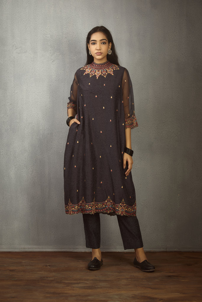 Nisha band gala urvi kurta and pants