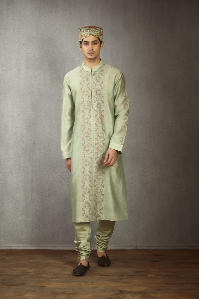 Champa Kasuti Embroidered Abeer Kurta Set
