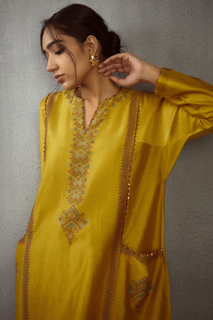 Sunehra kasuti kashish kurta and pants
