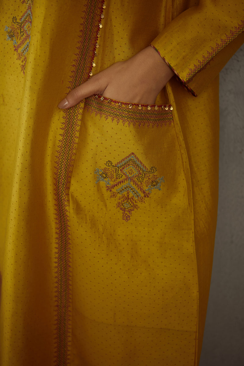 Sunehra Kasuti Kashish Kurta Full Set