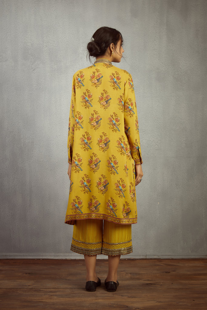 Sunehra Chakor Boota Nazam Kurta And Pants
