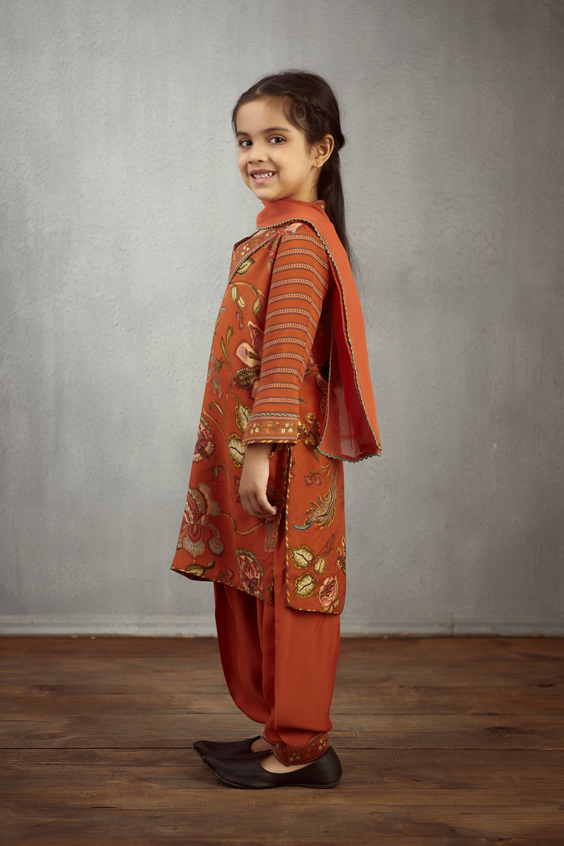 Narangi Chintz Printed Kurta With Stripped Sleeve Kids Wear Set