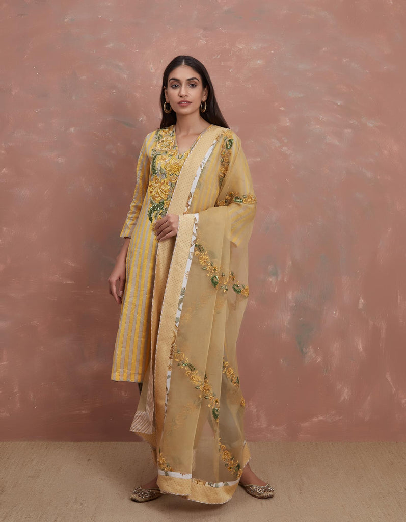 Sarson Dhari Embroiderd Kurta with a Salwar