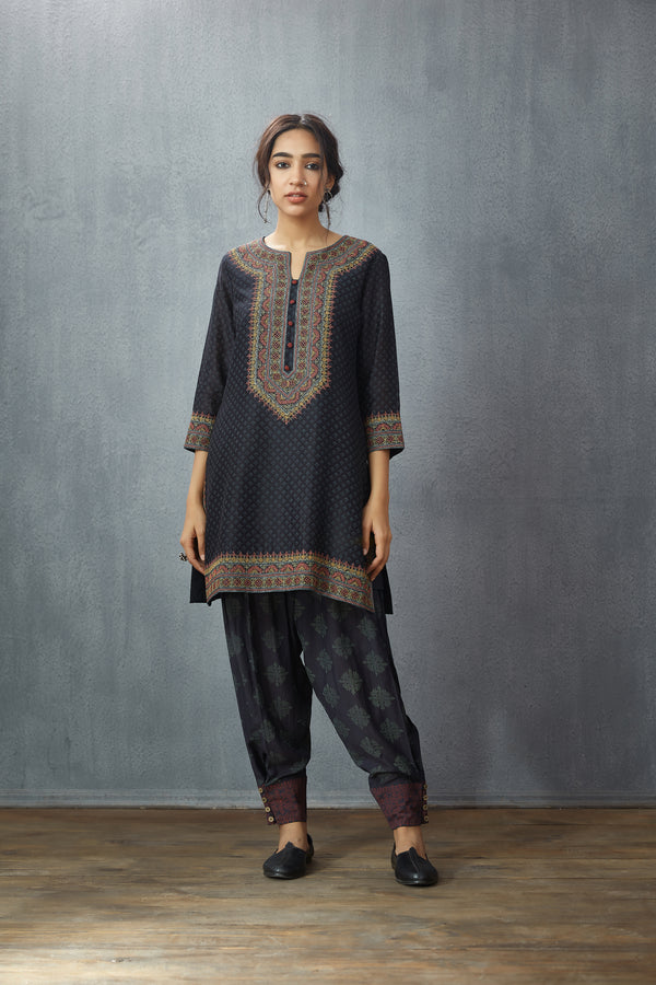 Chanderi 'Tabassum' Kurta Set