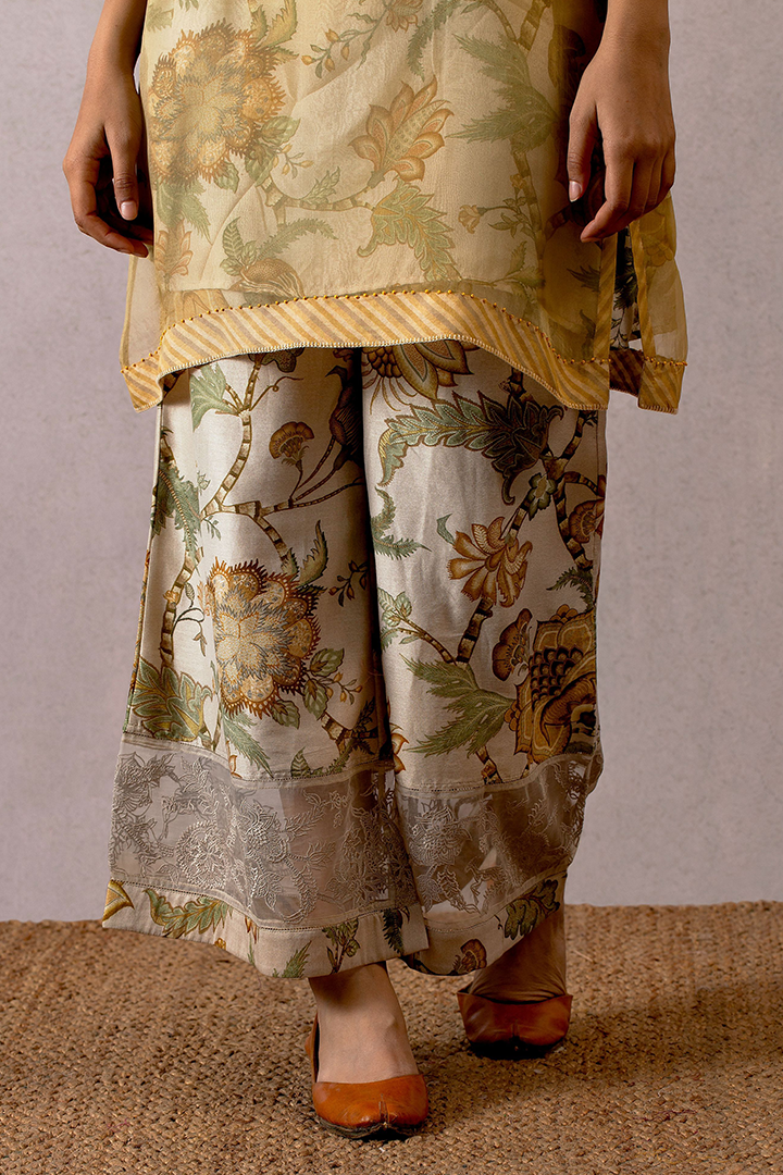 Sarson Cheent chanderi pants with embroidered border