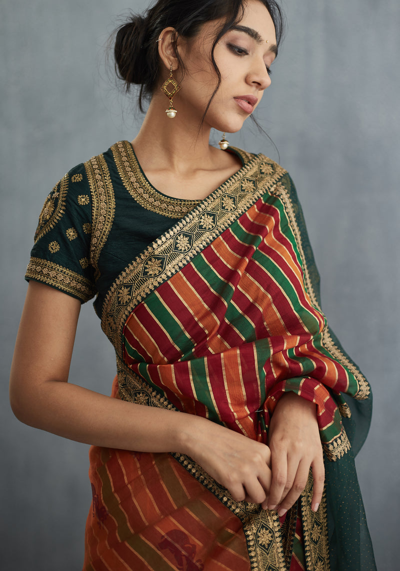 Sindhdi Dhaari Aari Work Saree Set