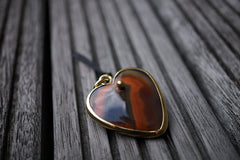 Condor Agate heart shape pendant with brass (ETP00148)