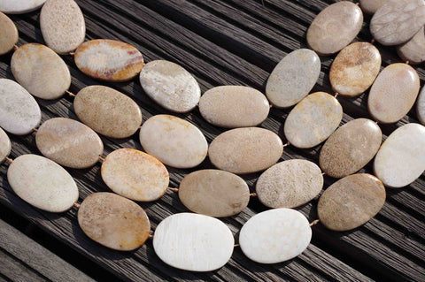 Indonesian Agatized Fossil Coral 23-30mm oval beads (ETB00086)