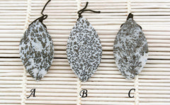 Matte Plume Agate freeform shaped pendants (ETP00225)