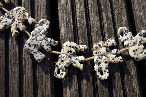 Dalmatian Jasper 33-38mm elephant pattens beads (ETB00293)
