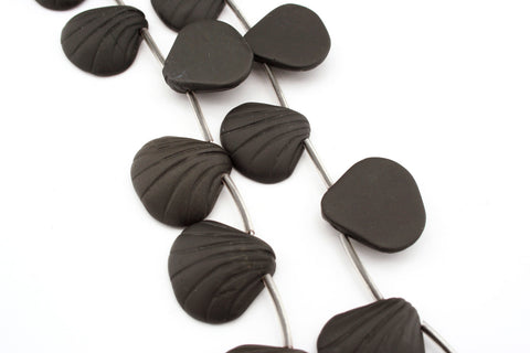 Matte Black Onyx 22.5-25mm shell shape beads (ETB01305)