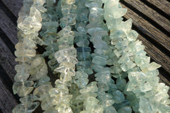 Aquamarine small chips beads  (ETB00304)