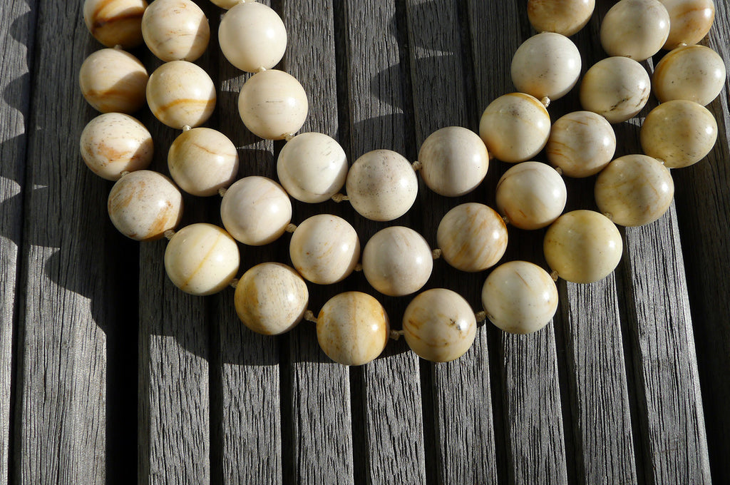 (SPL00025) Petrified Honey Palm Wood 9-10mm round beads