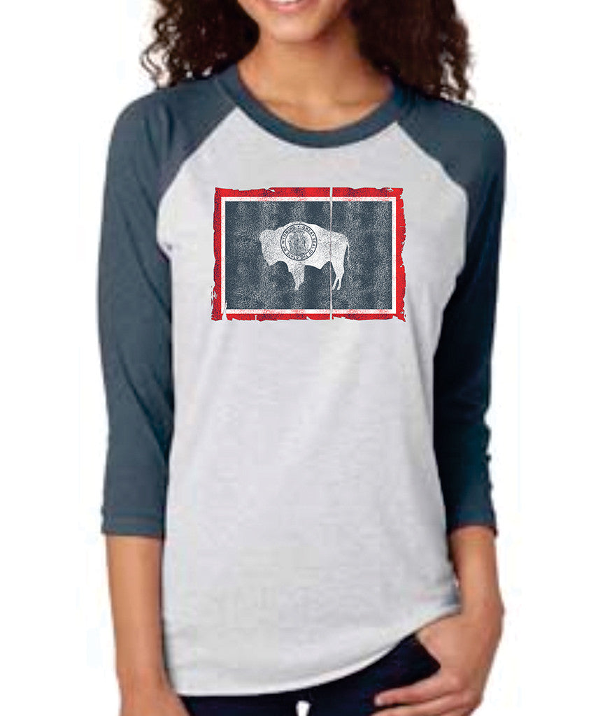 R004 Wyoming State Flag Raglan