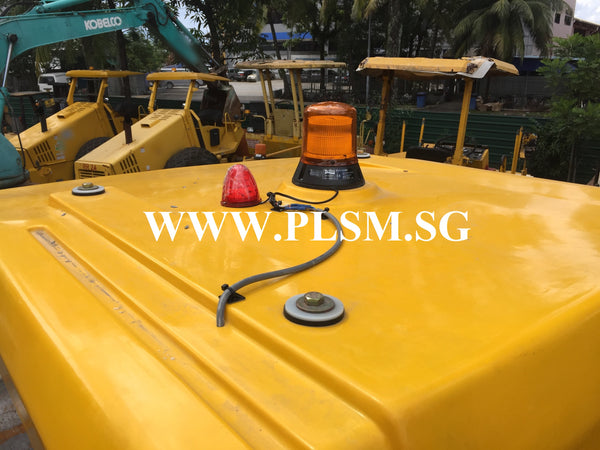 10 TONS SAKAI SV520D VIBRATORY ROAD ROLLER WITH REVERSE CAMERA FOR RENTAL IN SINGAPORE WWW.PLSM.SG WITH AIRPORT 24 HOUR LED BEACON