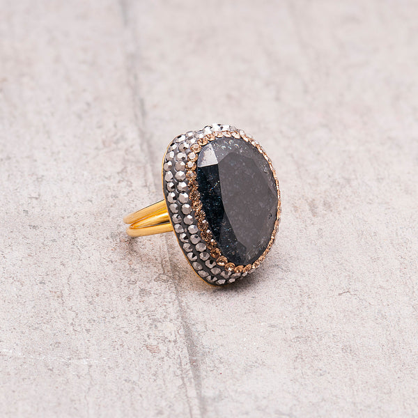 LARGE BLACK STAR STONE AND CRYSTAL RING