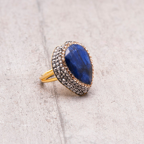 LARGE SAPPHIRE AND CRYSTAL RING