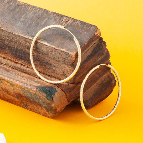 GOLD DIAMOND CUT THREAD HOOP EARRINGS