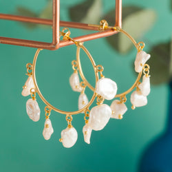 PEARL AND GOLD HOOP EARRINGS