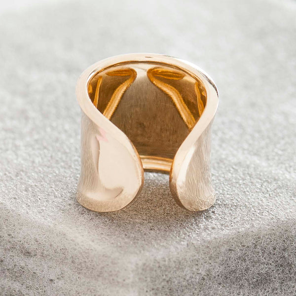 LARGE POLISHED GOLD BAND