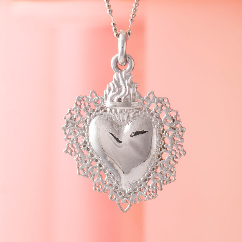 SMALL SILVER SACRED HEART PENDANT