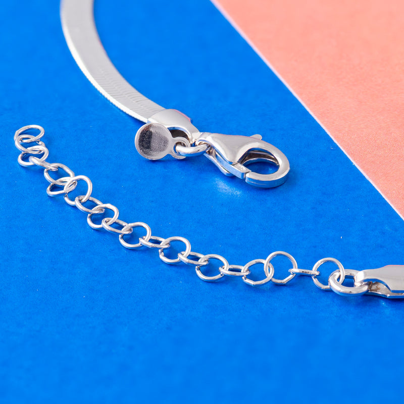 SILVER SNAKE CHAIN NECKLACE