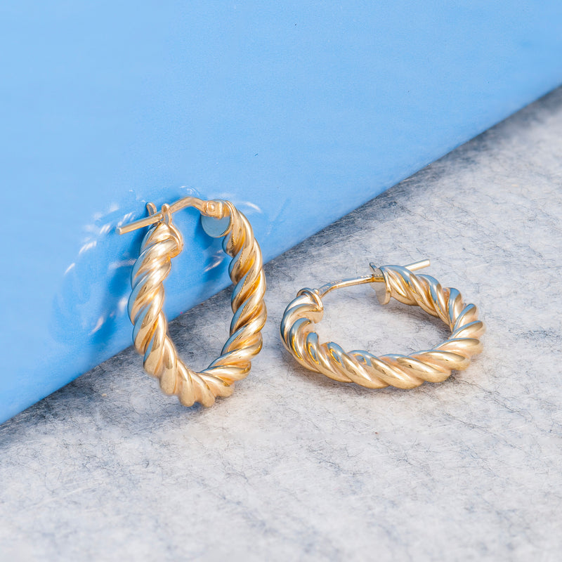 SMALL GOLD TWIST HOOPS
