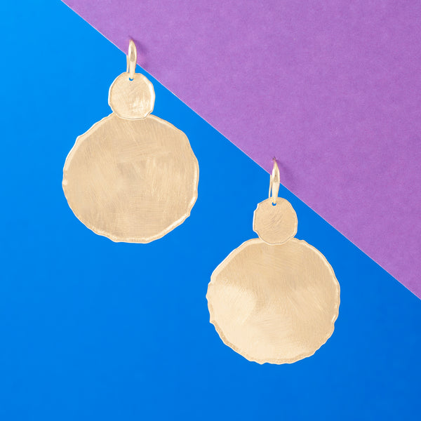GOLD MATT DOUBLE DISC DROP EARRINGS