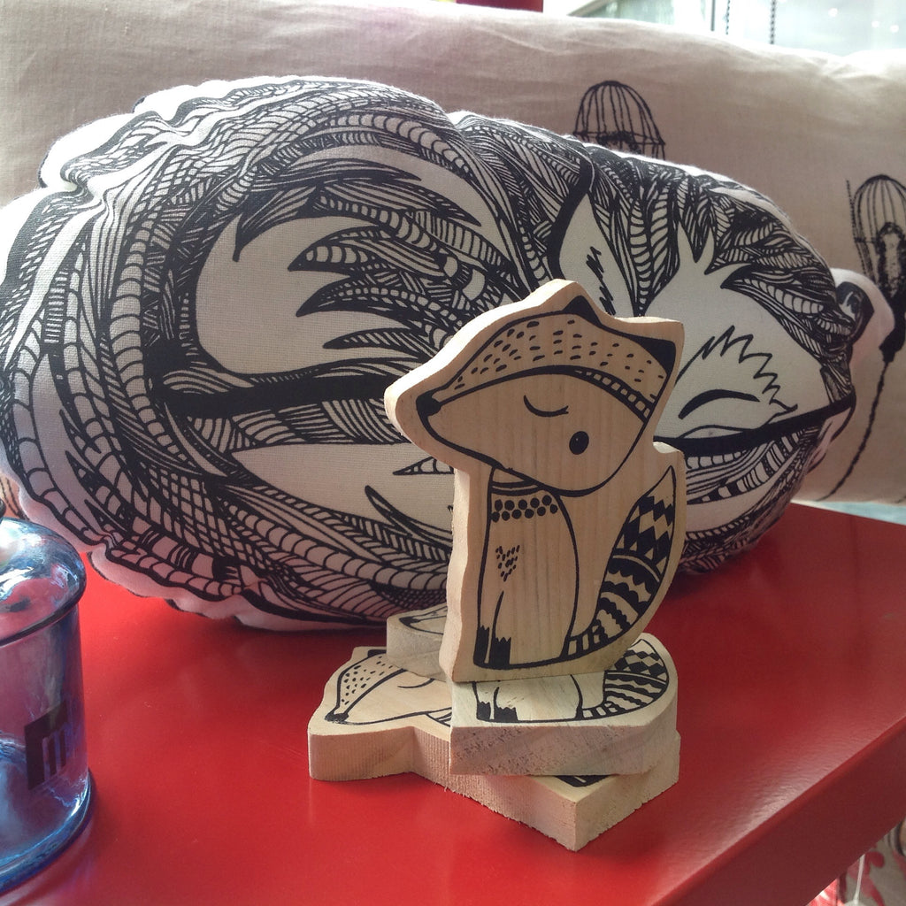 Cute, Fox Shaped Wooden Decor Motif