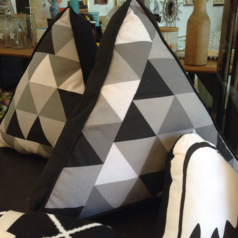 Geometric Triangle Shaped Cushion: black, white & grey