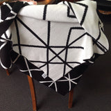 Black & White Reversible Knit Throw: 100% cotton
