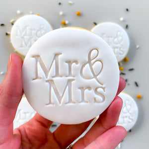 Peppa Lane Bakery Mr and Mrs cookie held in hand