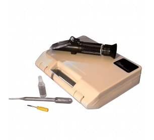 Salt Refractometer (0 to 28%) - 300006