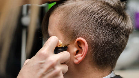 trimming sideburns on men's hair cut