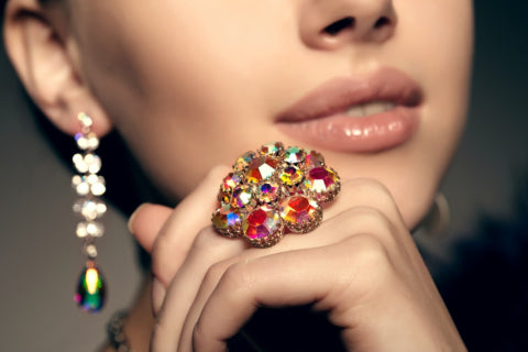 A Guide to Safely Buying Jewelry Online