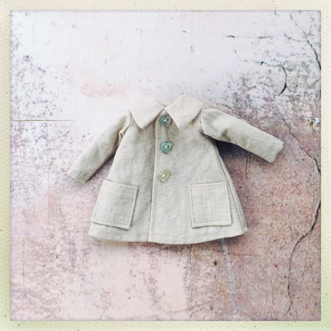 7.  Shell pink coat for Blythe dolls