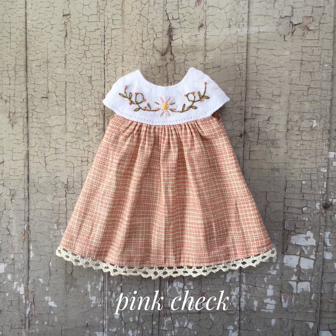 A summery smock - Pink check