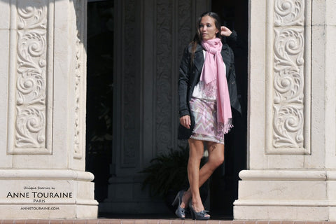 Pashmina scarf in cashmere silk by ANNE TOURAINE Paris™ and trench coat