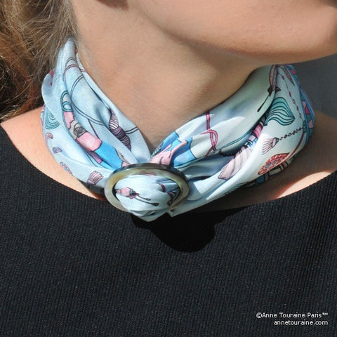 Black mother of pearl handcrafted scarf ring. Medium size. A fun, essential, and versatile complementary to your ANNE TOURAINE Paris™ silk scarves. (3)