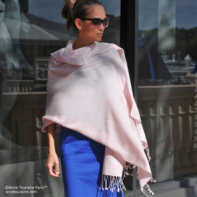 Powder pink pashmina cashmere silk by ANNE TOURAINE Paris™: soft,warm,and cozy (2)