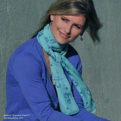 Turquoise blue silk chiffon scarf with cat pattern, oblong shape: a perfect gift for cat lovers. Scarf by ANNE TOURAINE Paris™ (2)
