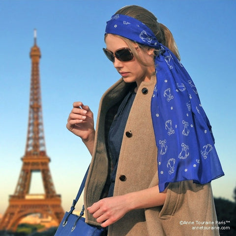 Blue silk chiffon scarf with dog pattern, oblong shape: a perfect gift for dog lovers. Scarf by ANNE TOURAINE Paris™ (2)