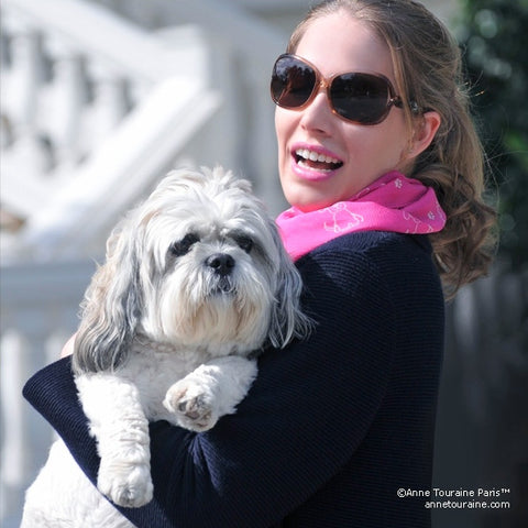 Pink silk chiffon scarf with dog pattern, oblong shape: a perfect gift for dog lovers. Scarf by ANNE TOURAINE Paris™ (2)