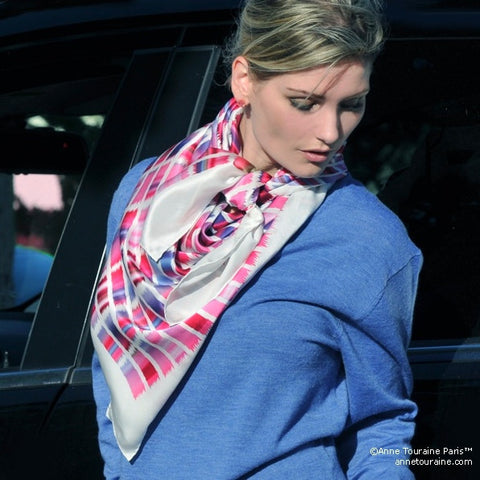 Pink and blue extra large silk scarf with a contemporary ethnic pattern: versatile and easy to wear all year round. Scarf ANNE TOURAINE Paris™ (4)